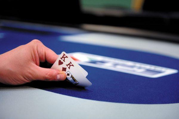 Chơi Poker kiếm tiền: Không được quên 10 đôi bài tẩy mạnh nhất (Phần 2)