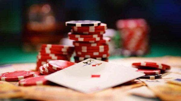 Game bài Poker đổi thưởng và 10 tay bài mạnh nhất (Phần 2)