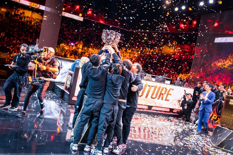 Cược người chiến thắng mùa giải, một trong các cách cược Esport căn bản nhất