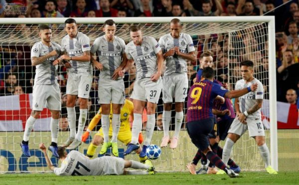 Nắm rõ cách xếp hàng rào sút phạt trong bóng đá hiệu quả nhất