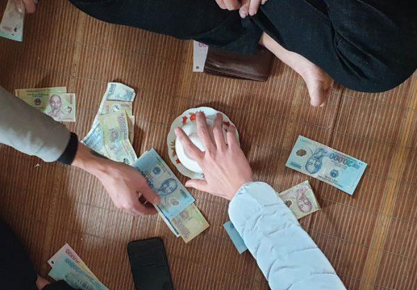 3 dấu hiệu lừa đảo cần biết khi tham gia trò chơi xóc đĩa ăn tiền