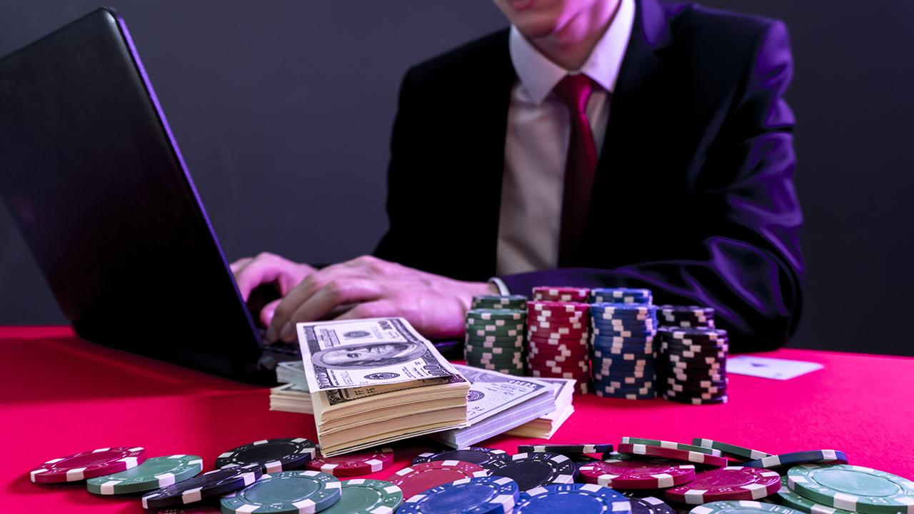Chọn sòng bạc uy tín để chơi đánh bài Casino trực tuyến