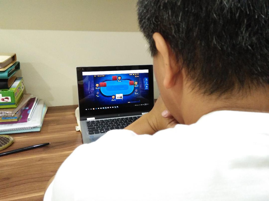 Nghiên cứu kỹ hơn về game đánh bài trực tuyến ăn tiền thật bạn đang chơi
