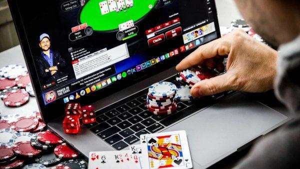 5 kinh nghiệm chơi Poker online ai ai cũng nên nhớ